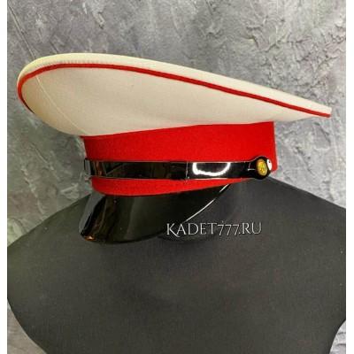 Фуражка для кадет белого цвета с красным кантом и околышем