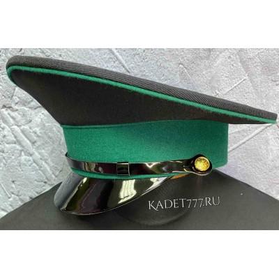 Кадетская фуражка черного цвета с зеленым кантом и зеленым околышем