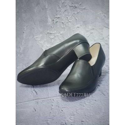 Кадетские туфли для девочек на каблуке