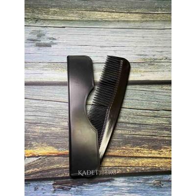 Расческа мужская черного цвета с футляром